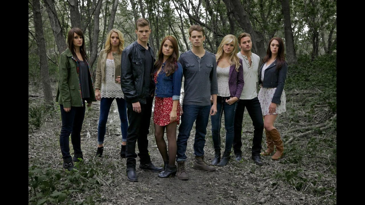 Get the Outfits: The Vampire Diaries (Season 4)