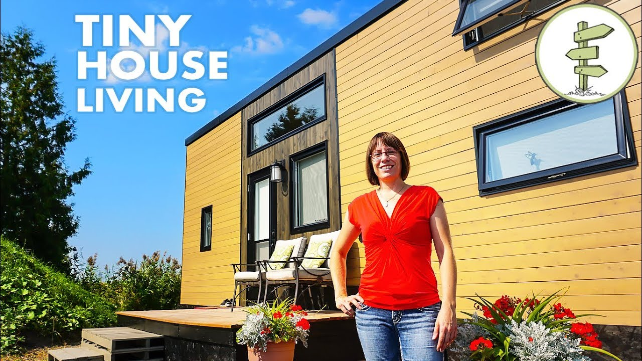 Mother and Daughter Living in a Tiny House to Achieve Financial Freedom – Tour & Inte ...